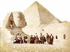 Pedro II of Brazil in Egypt 1871 - Pedro II do Brasil – Wikipédia, a enciclopédia livre Um grande grupo rodeia o Imperador (sentado, à direita) e Auguste Mariette (sentado, à esquerda), durante a visita à Necrópole de Gizé e à Esfinge de Guizé, no fim de 1871