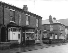 Photo's of Selly Oak businesses of the past World History, Family History, Birmingham Uk, West Midlands, Prams, Modern Family, Historical Photos, Old Photos, Roots