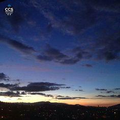 Te presentamos la selección del día: <<ATARDECERES>> en Caracas Entre Calles. ============================  F E L I C I D A D E S  >> @yaurye << Visita su galeria ============================ SELECCIÓN @floriannabd TAG #CCS_EntreCalles ================ Team: @ginamoca @huguito @luisrhostos @mahenriquezm @teresitacc @marianaj19 @floriannabd ================ #atardecer #1atardecervenezolano #Caracas #Venezuela #Increibleccs #Instavenezuela #Gf_Venezuela #GaleriaVzla #Ig_GranCaracas…