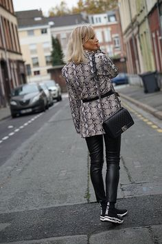 Style Blog, My Style, Fashion Blogs, Html, Chanel, Chic, Outfits, How To Wear, Style Ideas