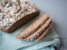 Eltefritt dansk rugbrød - Hyggelig mat Parmesan, Bread, Food, Lasagne, Syrup, Meal, Brot, Eten, Breads
