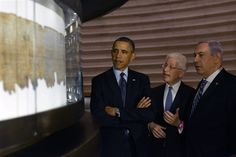 Barack Obama meets Palestinian President Mahmoud Abbas on a historical visit to West Bank