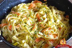 Tagliatelle with leek fondue. - tagliatelle-fraiche-a-la-fondue-de-leeks-recipe - Leek Recipes, Vegetable Recipes, Crockpot Recipes, Vegetarian Recipes, Healthy Recipes, Veggie Meals, Vegetarian Cooking, Easy Dinner Recipes, Breakfast Recipes