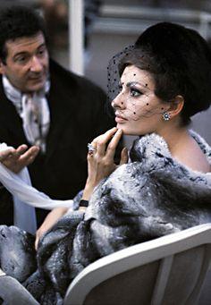 velvetgrotesque:  Sophia Loren photographed by Burt Glinn, 1963