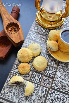 Bake up some semolina ma'amoul cookies stuffed with sweet, delicious dates. | 17 Eid Treats To Make With All Those Leftover Dates From Ramadan