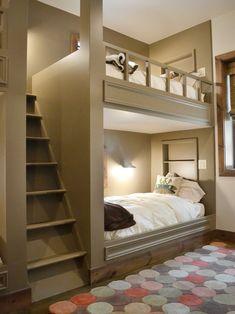 kinderzimmer möbel etagenbett-holz weiße-bettwäsche