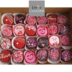 Lori's Lollicakes : Will you be my Valentine? Valentines Baking, Valentines Day Chocolates, Valentines Day Desserts, Valentine Chocolate, Valentine Treats, Holiday Treats, Hot Chocolate Gifts, Chocolate Covered Treats, Chocolate Dipped