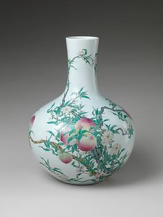 Vase with Peaches and Pomegranates. Qing dynasty (1644–1911), Qianlong mark and period (1736–95). 18th century. China. The Metropolitan Museum of Art, New York. Mr. and Mrs. Isaac D. Fletcher Collection, Bequest of Isaac D. Fletcher, 1917 (17.120.194)