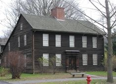 Colonial – Page 20 – Historic Buildings of Massachusetts Farmhouse Architecture, Colonial Architecture, Classic Architecture, Colonial House Exteriors, Colonial Style Homes, Early American Homes, American Houses, Saltbox Houses, Old Houses