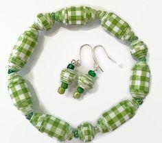 Paper Bead jewelry set  Paper bead bracelet  by GlossyPapierRecy