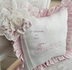 Ring Pillows, Sofa Pillows, Cushions, Sewing Projects, Projects To Try, Flower Pillow, Baby Sewing, Baby Room, Nursery