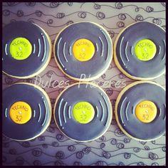 Discos vinilo. Decorados con glasa. #dulcesplaceresbymer www.facebook.com/dulcespaceresbymer  Instagram @dulcesplaceresbymer