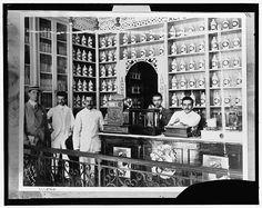 Interior de una Botica,Principio del siglo XX,San Juan,Puerto Rico.