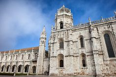 Jeronimos Monastery in Lisbon Portugal, founded in 1501. #lisbon #portugal #jeronimosmonastery #jeronimos #monastery #landmark #historic #historical #historicalplace #architecture #archilovers #architecturelovers #europe #building #oldbuilding #portuguese #lisboa