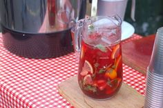 Festive Family Sangria As you gather the family or plan on have friends over for football this weekend, it's not always easy to find some fun non-alcoholic drinks to make. Party Food And Drinks, Bar Drinks, Wine Drinks, Beverages, Sangria Recipes, Wine Recipes, Pinot Noir, Non Alcoholic Drinks To Make, Red Sangria