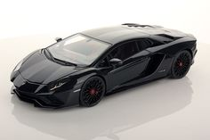 Collectable resin model Lamborghini Aventador S in Nero Pegaso colour by MR Collection Models #Lamborghini #ModelCars #SuperSportsCar #LamborghiniClub #diecast #diecastphotography #diecastcollector #diecastcollection #diecastcars #118 #118Scale #118Diecast
