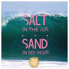 Yeah we made it to Friday 🏖. Dreaming of warmer days and hitting the beach. Love living close to the beach, nothing like the smell of salt in the air and the feeling of warm sand between your toes. Surfs up 🌊