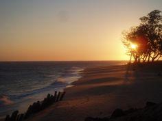 Beira, Mosambik: Dämmerung am Indischen Ozean. #Beira #Mosambik #Strand #Sonnenaufgang #Daemmerung