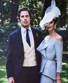 Roberto Diz dress Ascot Dresses, Derby Outfits, Race Wear, I Dress, Peplum Dress, Fancy Hats, Estilo Fashion, Vintage Inspired Dresses, Elegant Outfit