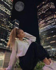 Azerbaijan Flag, Ariana Grande Outfits, Son Luna, Concert, Instagram, Music, Cute, Youtube, Idol