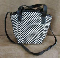 Paola del Lungo Leather shoulder bag Crossbody black white womens purse handbag #PaoladelLungo #MessengerCrossBody