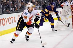 Hockey Headlines: Latest on Dennis Wideman, Alex Ovechkin and More - http://thehockeywriters.com/hockey-headlines-latest-on-dennis-wideman-alex-ovechkin-and-more/