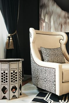 The modern Moroccan living room reveals its secrets! Living Room Interior, Living Room Decor, Design Marocain, Morrocan Decor, Modern Moroccan Decor, Moroccan Interiors, Moroccan Design, Moroccan Style, Luxury Sofa
