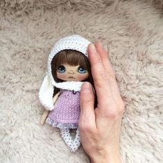 Вот такая маленькая и ручная зайка;) РЕЗЕРВ #кукла #куклы #куклакупить #куколка #олли #ручнаяработа ...