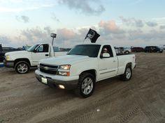 Some action from matamoros Tamaulipas's Mexico bandidos racing team Z71 Truck, Lifted Trucks, Chevy Trucks, Silverado 4x4, Chevrolet Silverado, Single Cab Trucks, Racing Team, Vintage Trucks, Heartbeat