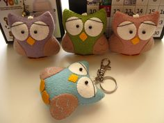 Felt owl keychain, no pattern but could do this!