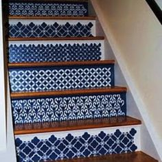 How to Stencil Stairs {tutorial}