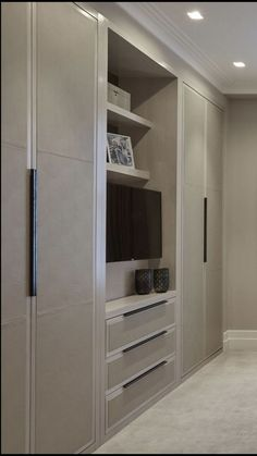 Chic Wardrobe Design Ideas For Your Small Bedroom 32 Bedroom Built In Wardrobe, Bedroom Built Ins, Bedroom Closet Design, Master Bedroom Closet, Tv In Bedroom, Bedroom Storage, Wardrobe Doors, Wardrobe Storage, Tv In Wardrobe