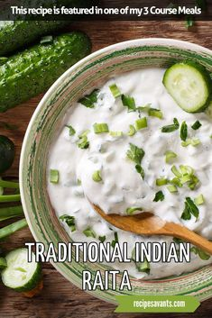 indian food In traditional Indian cuisine, creamy raita buffers spicy dishes with a blast of yogurt, refreshing cucumber and sweet mint. It a perfect topping for your favorite Indian dishes and would be a delicious homemade dip for naan or veggies. Korma, Biryani, Gordon Ramsay, Naan, Appetizer Recipes, Dinner Recipes, Indian Appetizers, Spicy Dishes, Vindaloo