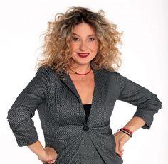 Φαίδρα Δρούκα: Αποκαλύπτει το λόγο που την έκανε να αποχωρήσει από τους Συμμαθητές (vid) Greek Tv Show, Actors, Blazer, Jackets, Greece, Women, Crafts, Fashion, Down Jackets