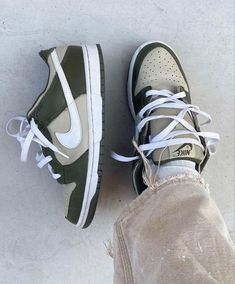 All Nike Shoes, Dr Shoes, Swag Shoes, Hype Shoes, Me Too Shoes, Jordan Shoes Girls, Girls Shoes, Cute Sneakers, Sneakers Nike