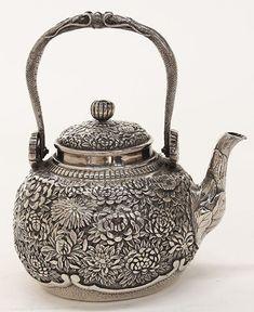 Japanese sterling silver teapot, by Konoike,14.63 troy : Lot 2558 #SterlingSilver