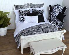 Miniaturas modernas casa blanco y negro Mini edredón conjunto miniatura almohadas y camas decoración para casa de muñecas o caja de la habitación de muñecas 1:12
