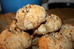 Hvetefrie grove rundstykker med solsikkekjerner – josefinesmatgleder Muffin, Food And Drink, Baking, Breakfast, Morning Coffee, Bakken, Muffins, Cupcakes, Backen
