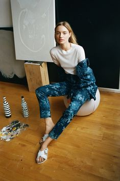Model Maya Stepper shares an insider peek at a typical day in Brooklyn—and how she dresses the part in Birkenstocks. Williamsburg Apartment, Maya Stepper, Silk Slip, I Love Fashion, Dress To Impress, Cool Girl, Color Pop, Brooklyn, Vogue