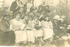 Alma College French Club - 1913 (Alma College Archives)