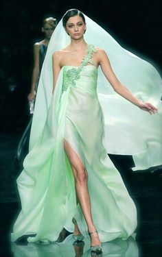 Armani Prive Couture Spring 2007 Gorgeous Mint One-Shoulder Dress Armani Prive, Couture Mode, Couture Fashion, Runway Fashion, Elie Saab, Glamour, Mint Green Fashion, Gq, Wedding Mint Green