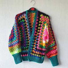 Granny Square Crochet Pattern, Crochet Granny, Crochet Stitches, Knit Crochet, Crochet Flower Tutorial, Crochet Flower Patterns, Crochet Jacket, Crochet Cardigan, Crochet Lingerie