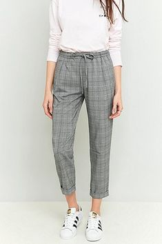 *URBAN OUTFITTERS - LIGHT BEFORE DARK || Tie front grey checked trousers | Pantalones a cuadros grises con lazada delantera