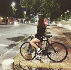 girl, porn, # track bike, # fixed Volleyball Inspiration, Cycling Girls, Cycle Chic, Bicycle Girl, Bike Style, Girls Life, Cool Bikes, Fitness Models, Fixed Gear
