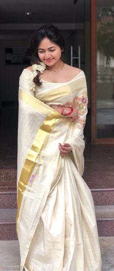 Beautiful Girl Indian, Beautiful Saree, Beautiful Models, Beautiful Women, Bollywood Actress Hot, Bollywood Saree, Kerala Saree, Indian Sarees, Onam Saree