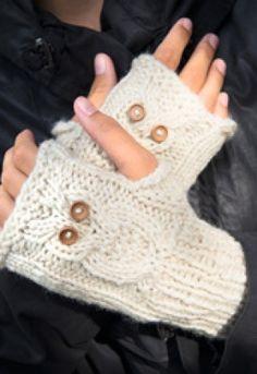 Familie Journal - strikkeopskrifter til hende Hobbies And Crafts, Diy And Crafts, Drops Design, Baby Patterns, Fingerless Gloves, Arm Warmers, Mittens, Hue, Free Pattern