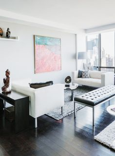 Gorgeous living spaces with particular emphasis on spectacular artwork   Enjoyed this private residential renovation  in #Manhattan #NYC   #badassdesign @meandgeneral #interiordesign #livingspaces #ideas