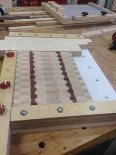 A great cutting board gluing jig just in time for the Christmas rush!