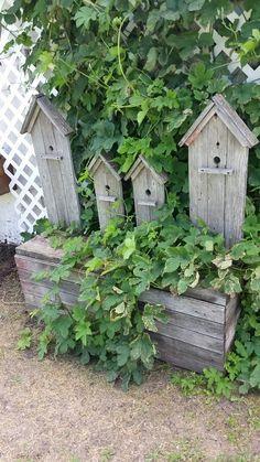 Barn board rustic birdhouse bench
