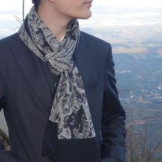 Bufanda hombre edición limitada, moda sostenible Look by LyLy Alexander Mcqueen Scarf, Fashion, Sustainable Fashion, Black Men, Scarves, Elegant, Moda, Fashion Styles, Fashion Illustrations